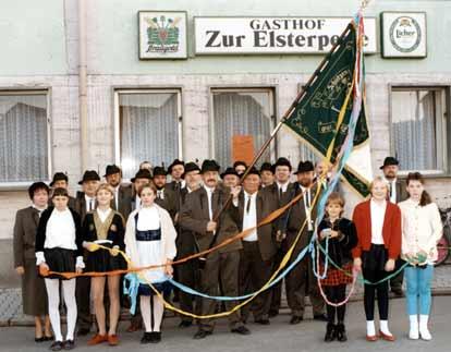 1. Vereinsgruppenfoto vor der Elsterperle